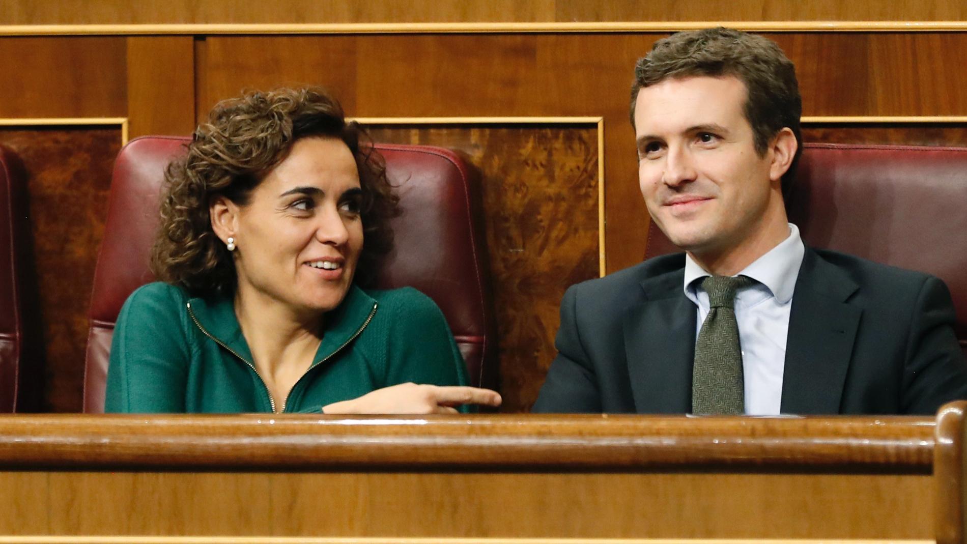 """Casado aconseja a Sánchez que saque su colchón de la Moncloa y éste le acusa de tener la """"lengua larga"""""""