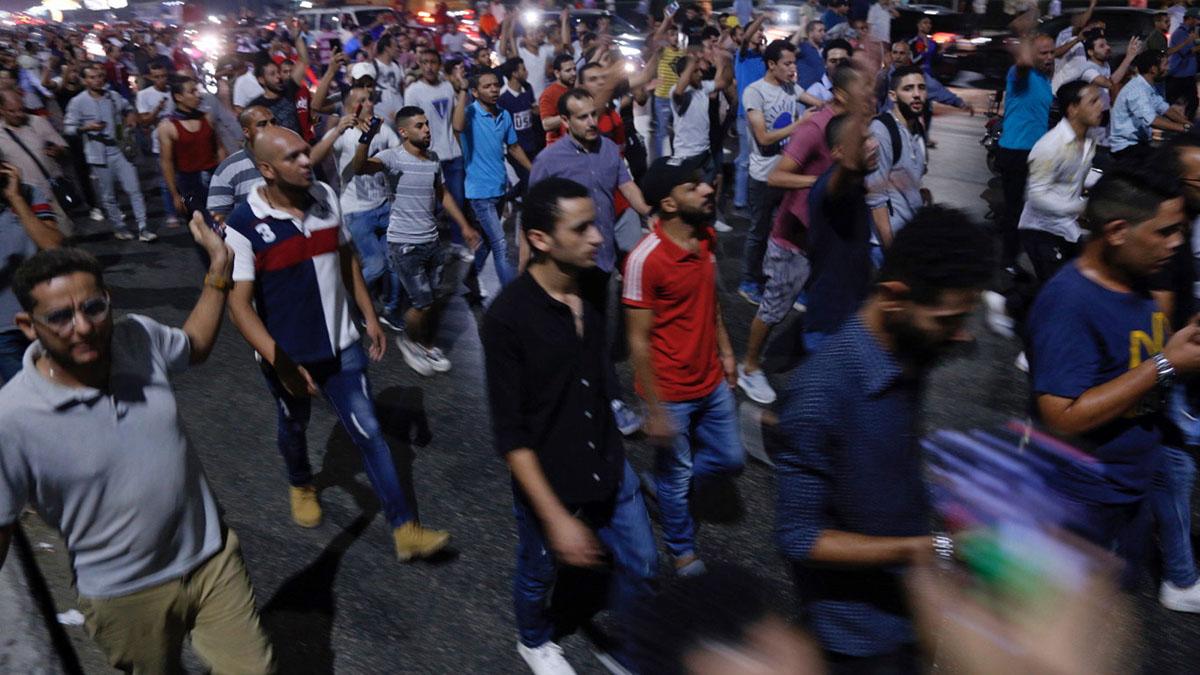 Cientos de egipcios se manifiestan en El Cairo contra el presidente Abdelfatah al Sisi