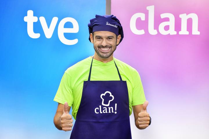 El chef Enrqiue Sánchez presenta el nuevo programa de Clan, 'Cocina con Clan'