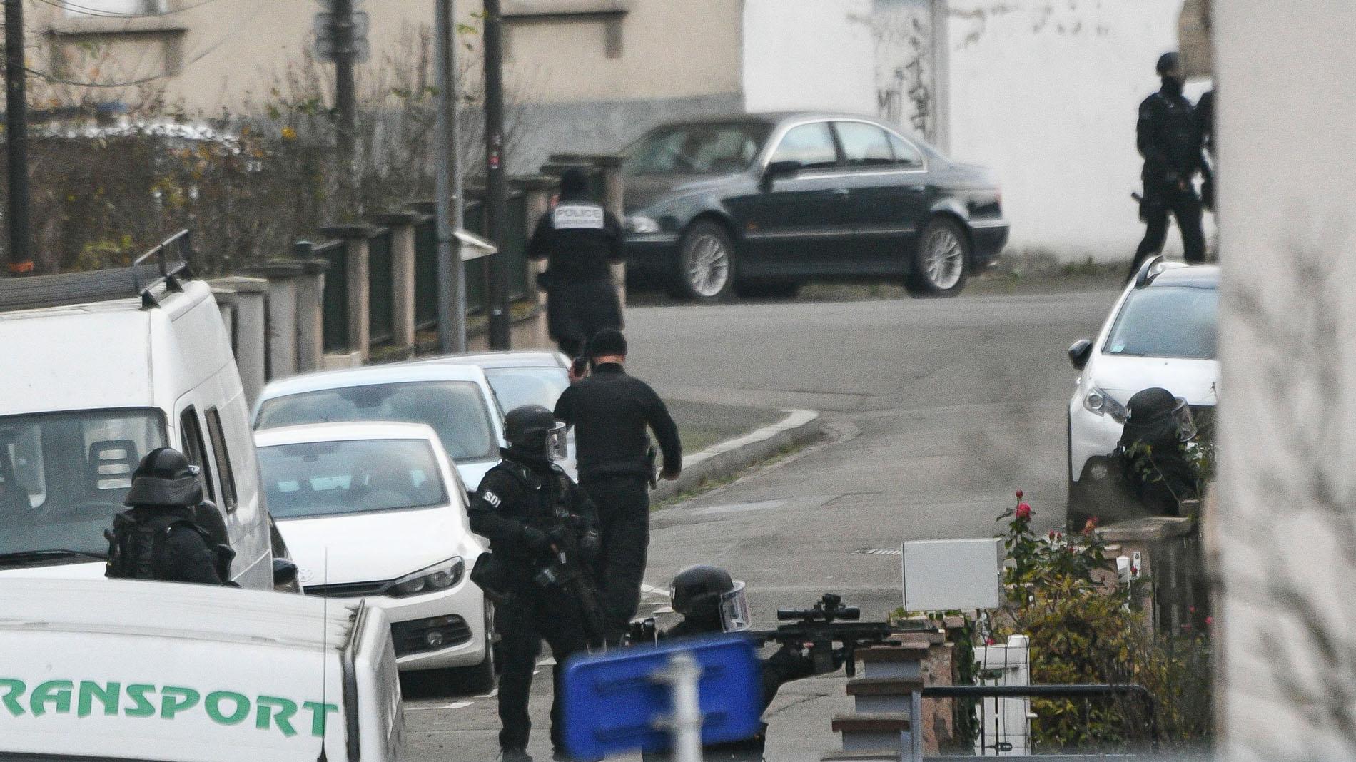 La Policía francesa peina el barrio donde vivía el presunto terrorista de Estrasburgo