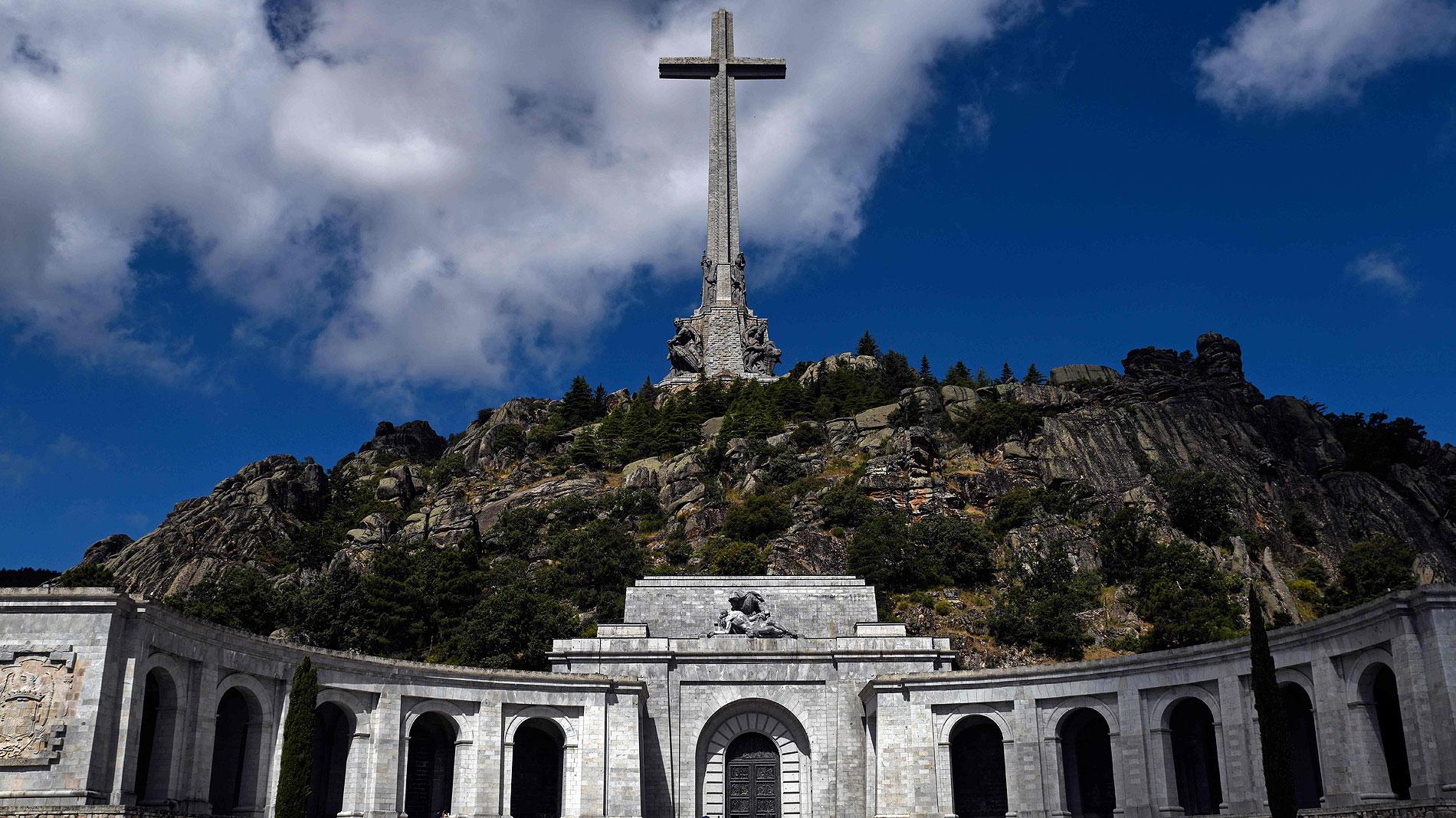 Debate de ayer y hoy: ¿qué debe simbolizar el Valle de los Caídos?