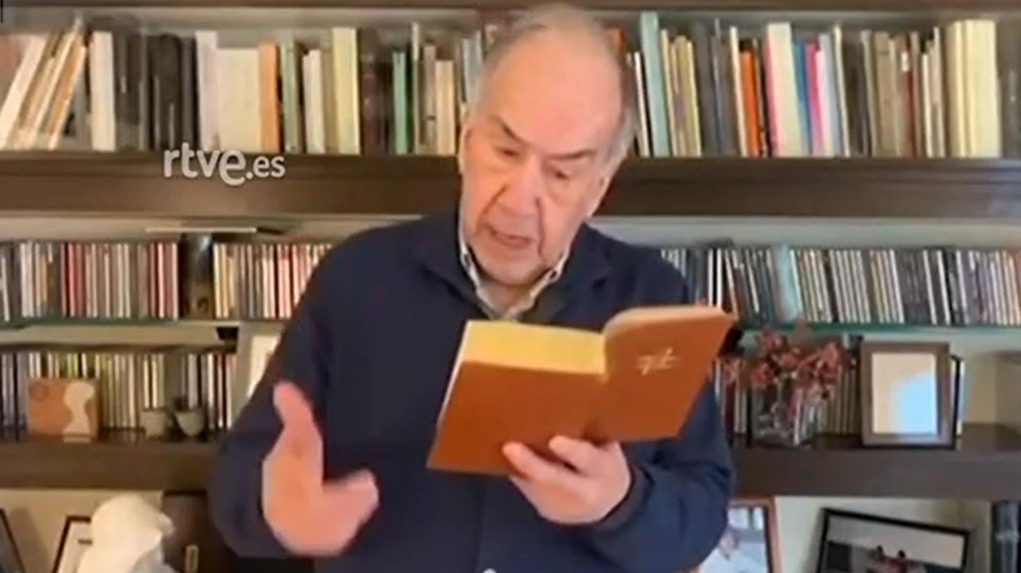 Joan Margarit participa en la lectura de 'El Quijote'