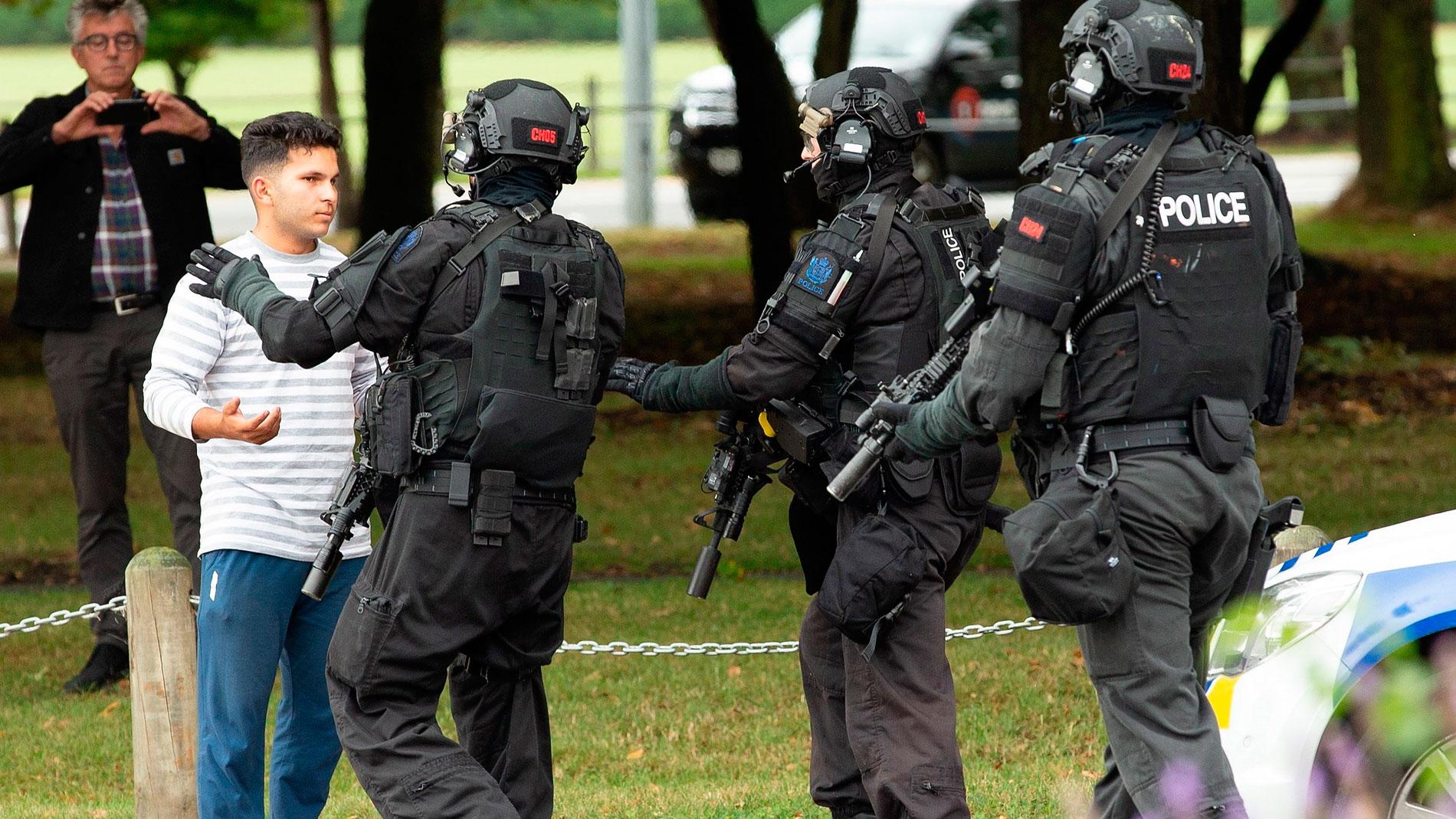 Atentado En Nueva Zelanda Hd: Al Menos 49 Muertos En Un