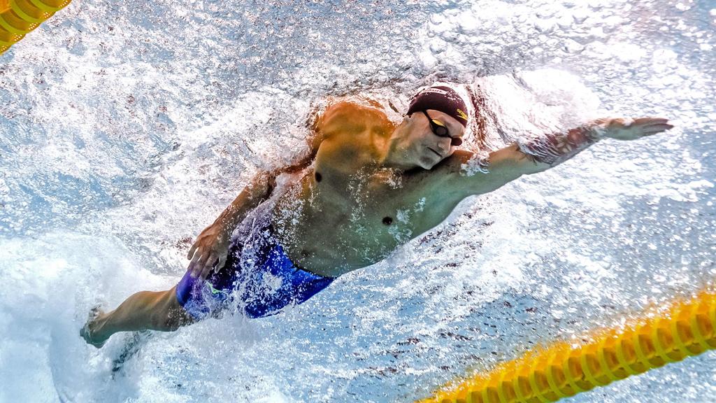 Dressel lidera a EE.UU. en el 4x100 mixto, nuevo récord mundial
