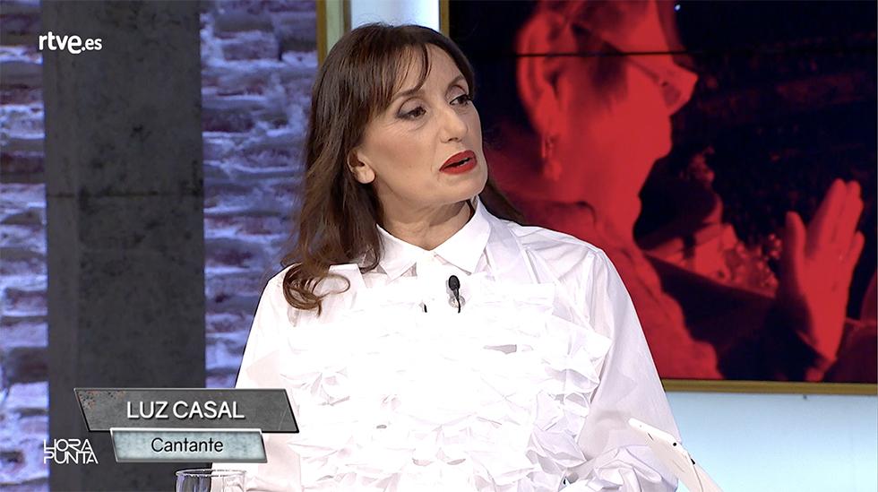 Entrevistamos a Luz Casal, que nos presenta su nuevo disco 'Que corra el aire'