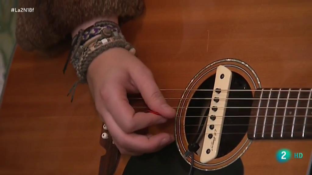 Eva Ryjlen, rock con aires de cantautor