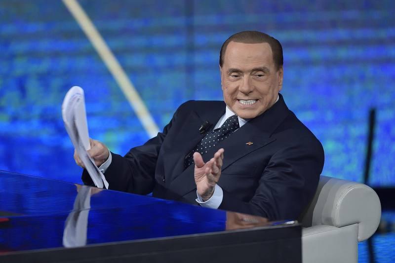 El exprimer ministro y líder de Forza Italia, Silvio Berlusconi, antes de una entrevista en la RAI