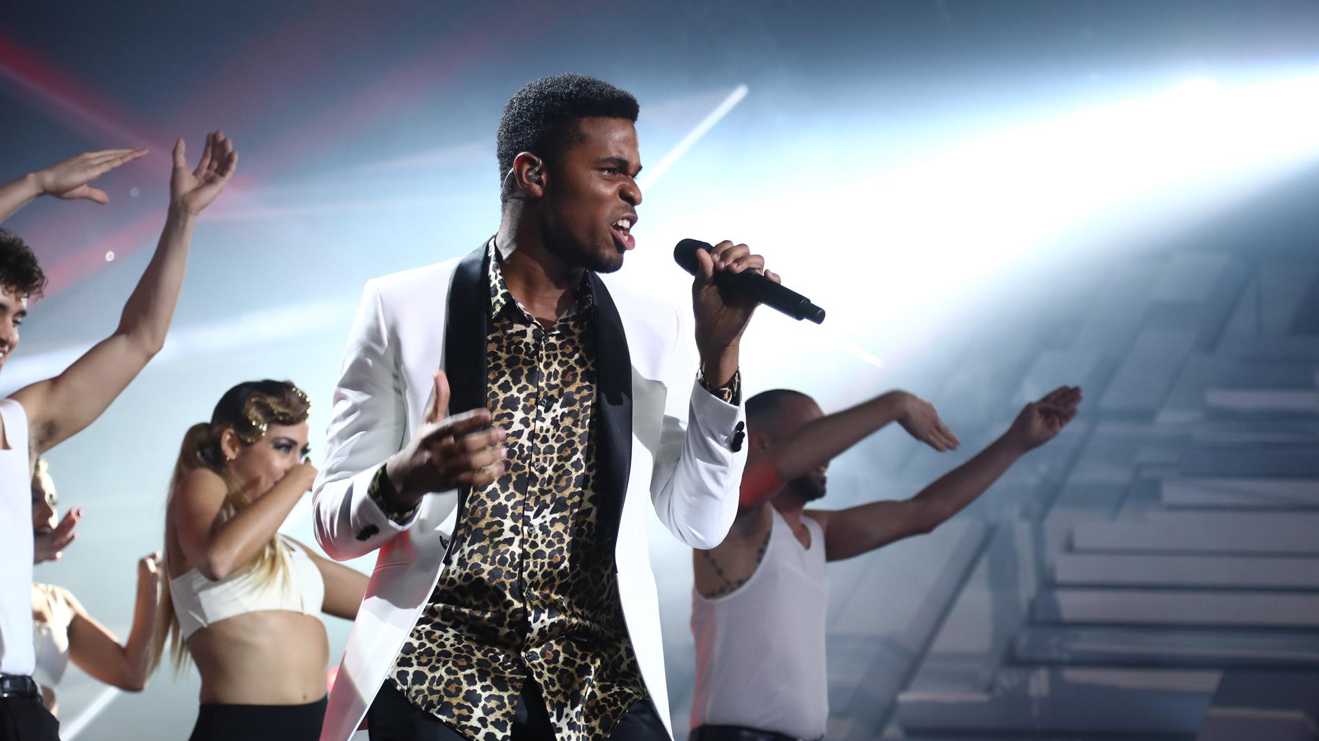 """OT 2018 - Famous canta """"Faith"""" en la gala final"""