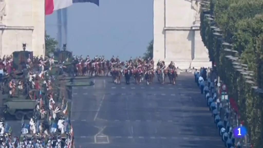 Los fuegos artificiales desde la Torre Eiffel pondrán el broche final a la Fiesta Nacional de Francia