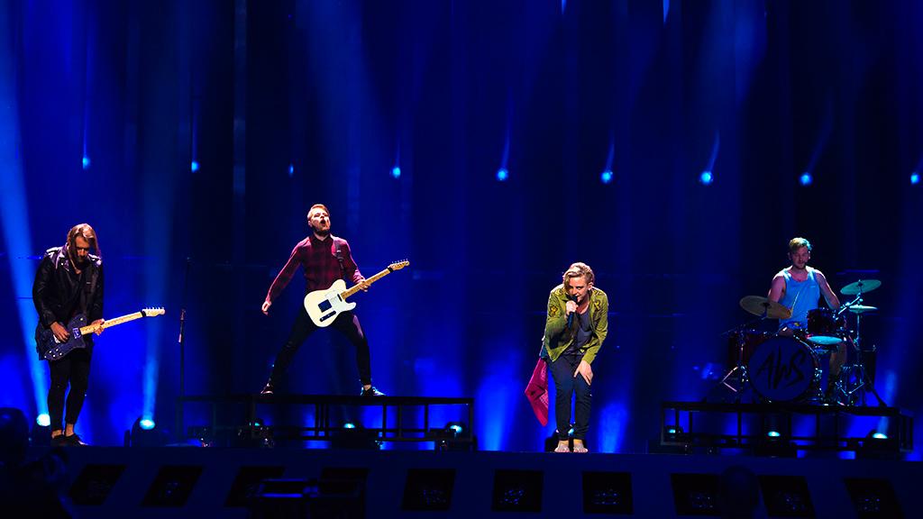 """Eurovisión - Hungría: AWS canta """"Viszlát nyár"""" en la final de Eurovisión 2018"""