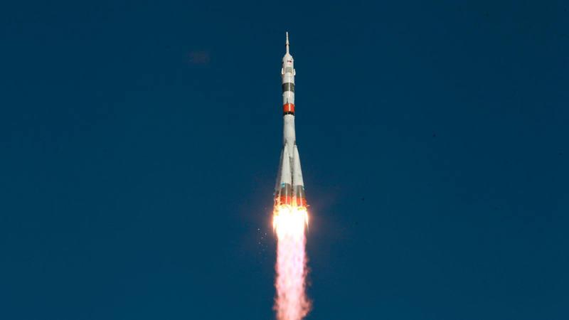 """La nave rusa Soyuz con el androide """"Fiódor"""" no logra acoplarse a la Estación Espacial Internacional"""
