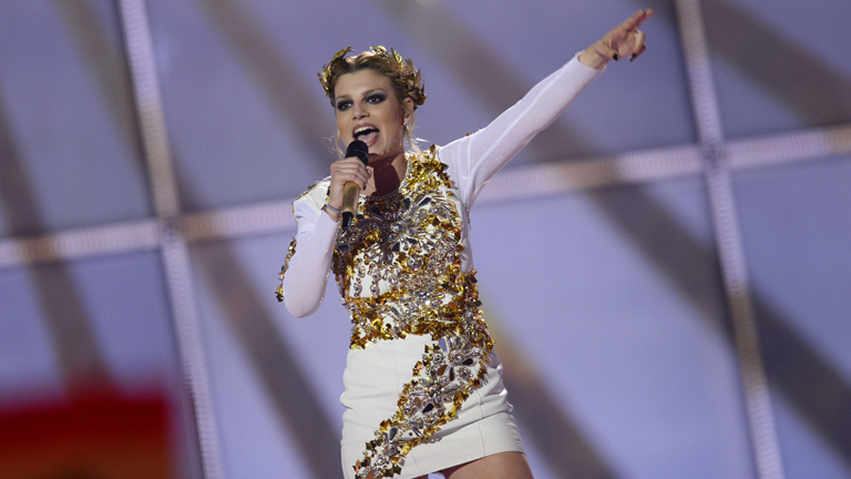 "Eurovisión 2014 - Italia: Emma Marrone canta ""La mia città"" en la final de Eurovisión 2014"