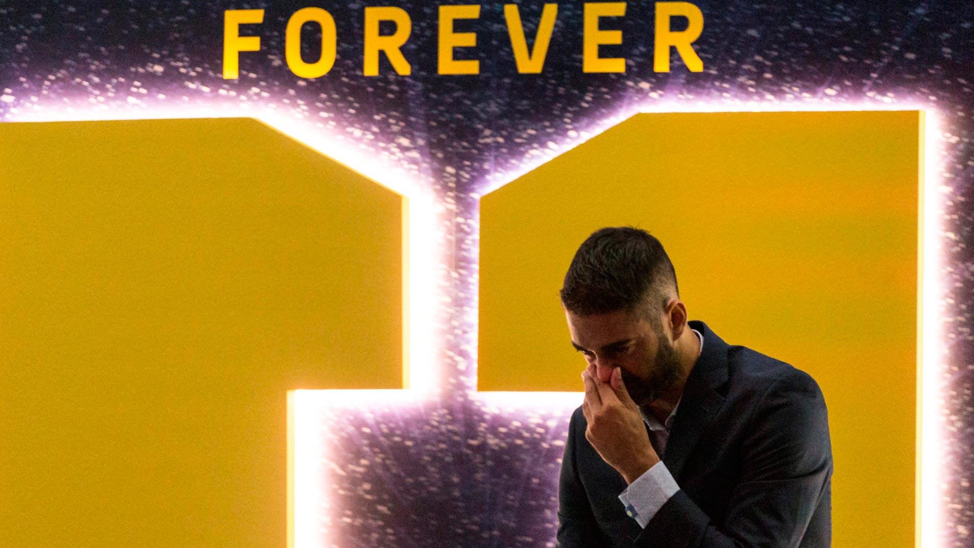 Las lágrimas de 'La Bomba' Navarro en su despedida