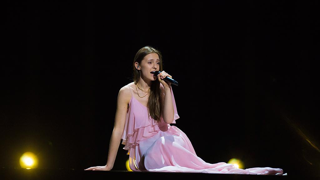 """Eurovisión - Lituania: Ieva Zasimauskaite canta """"When we're old"""" en la final de Eurovisión 2018"""