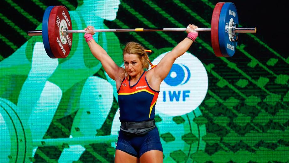 Lydia Valentín, campeona del mundo de arrancada al levantar 113 kilos