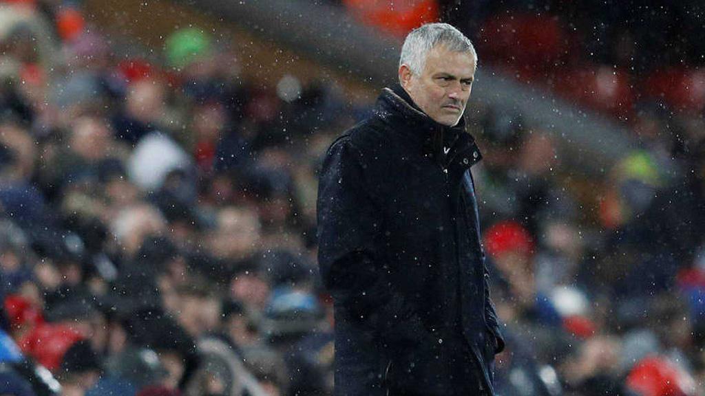 El Machester United despide a Jose Mourinho