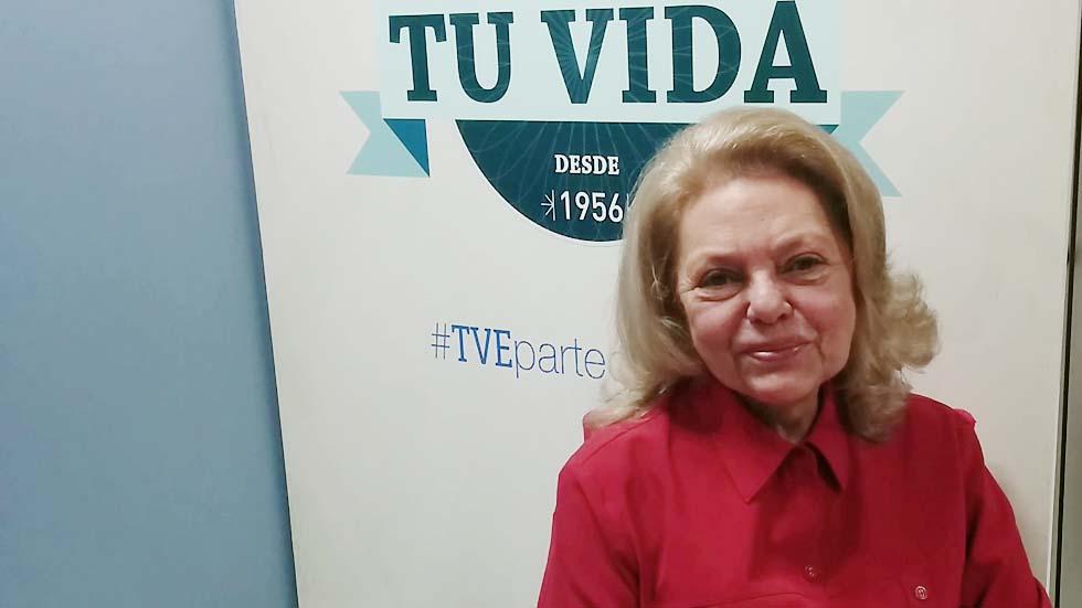 Mayra Gómez Kemp saluda a los fans del Archivo de RTVE
