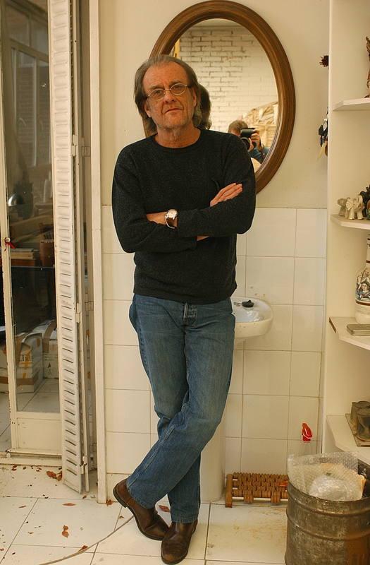El músico durante una entrevista en su domicilio madrileño 04/02/2005