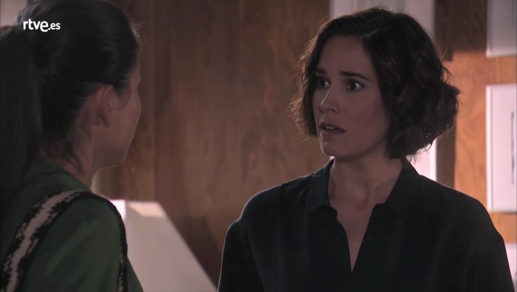 Servir y Proteger - Nacha habla con Teresa sobre su paciente