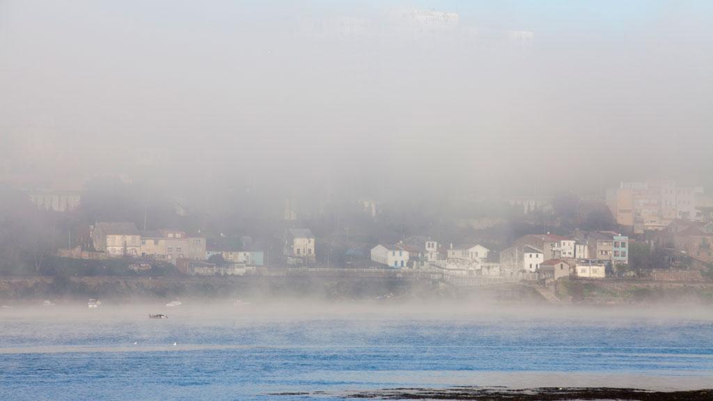 Nieblas en la Meseta norte, valle del Ebro y depresiones del noreste peninsular
