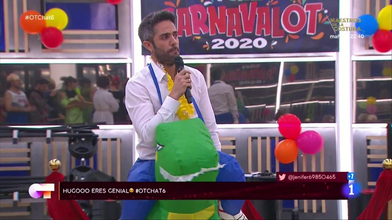 Roberto Leal improvisa un rap en El Chat de OT