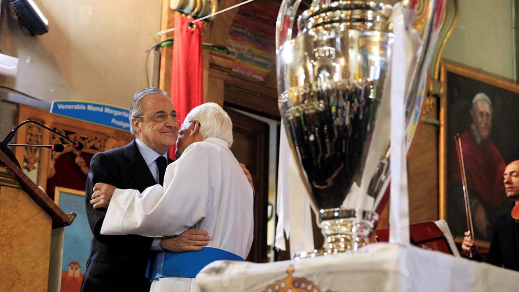 La parroquia del Padre Ángel recibe la 'Decimotercera'