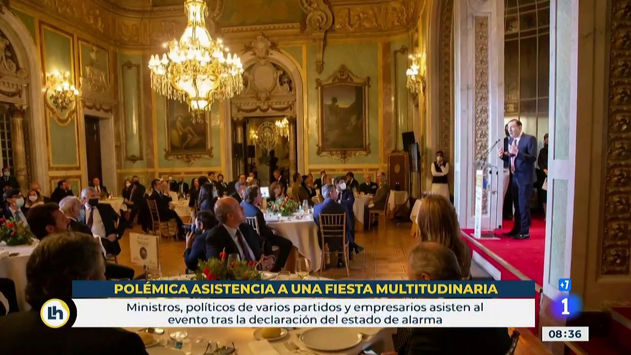Políticos españoles en un evento en Madrid, ¿es esencial?