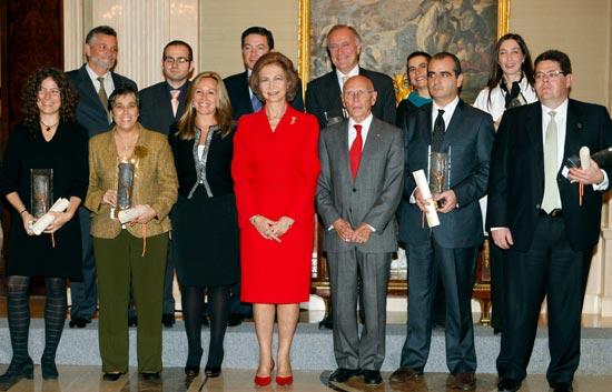 Radio 5 y TVE reciben el Premio Reina Sofía contra las Drogas