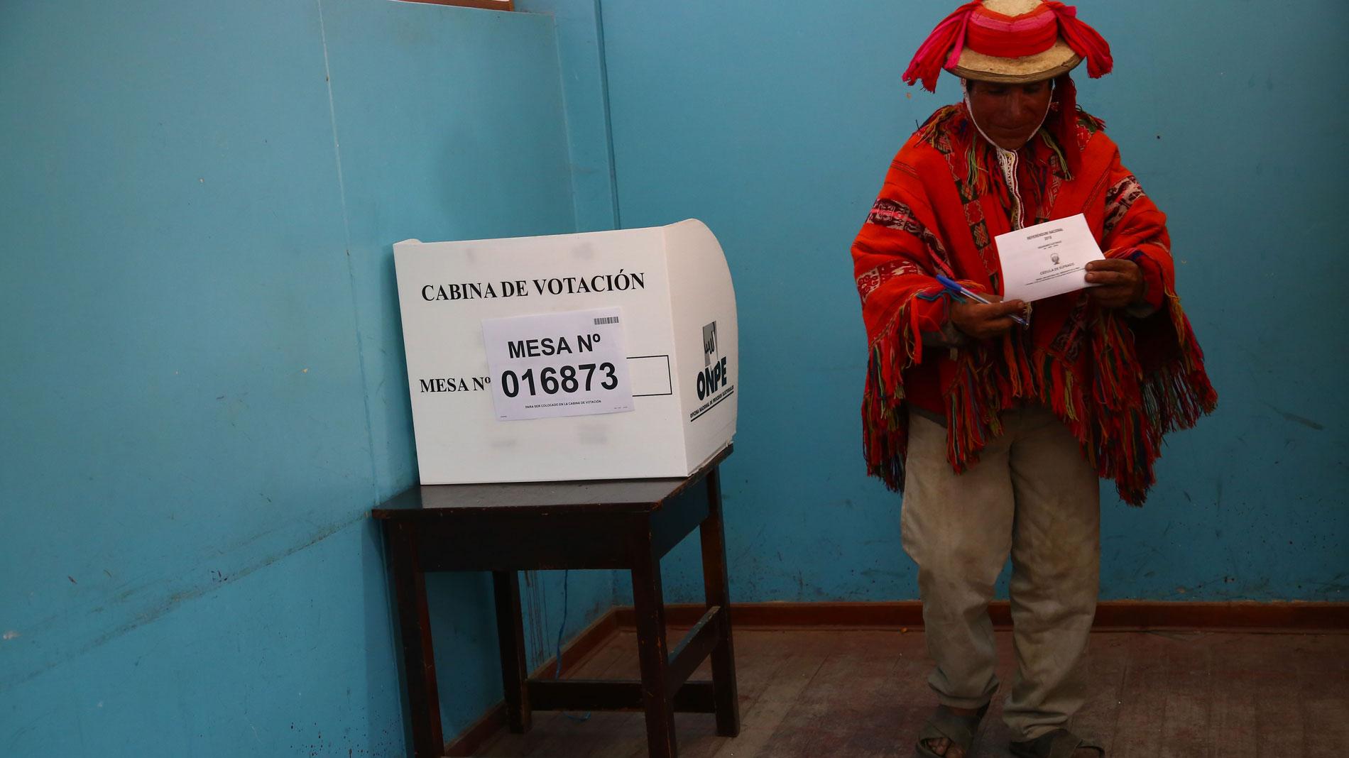 Las primeras cifras oficiales ratifican el triunfo de la propuesta del presidente Vizcarra en Perú