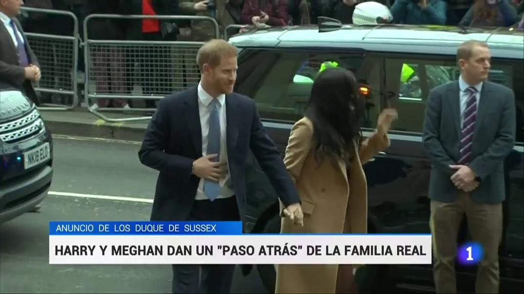 El Principe Harry Y Meghan Markle Renuncian A Sus Funciones Principales En La Familia Real Británica