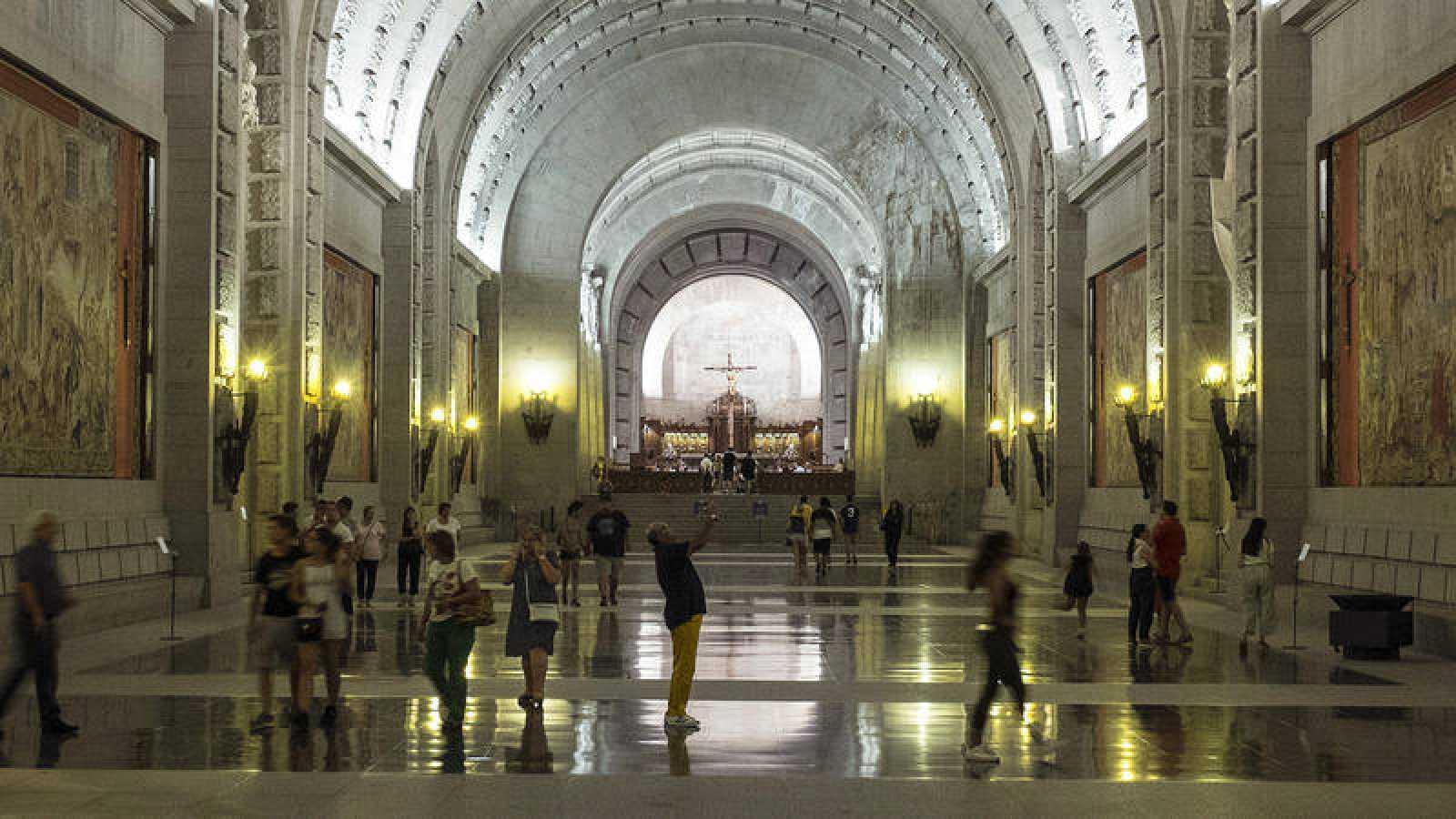 El prior del Valle de los Caídos acatará la decisión de los tribunales sobre la exhumación de Franco