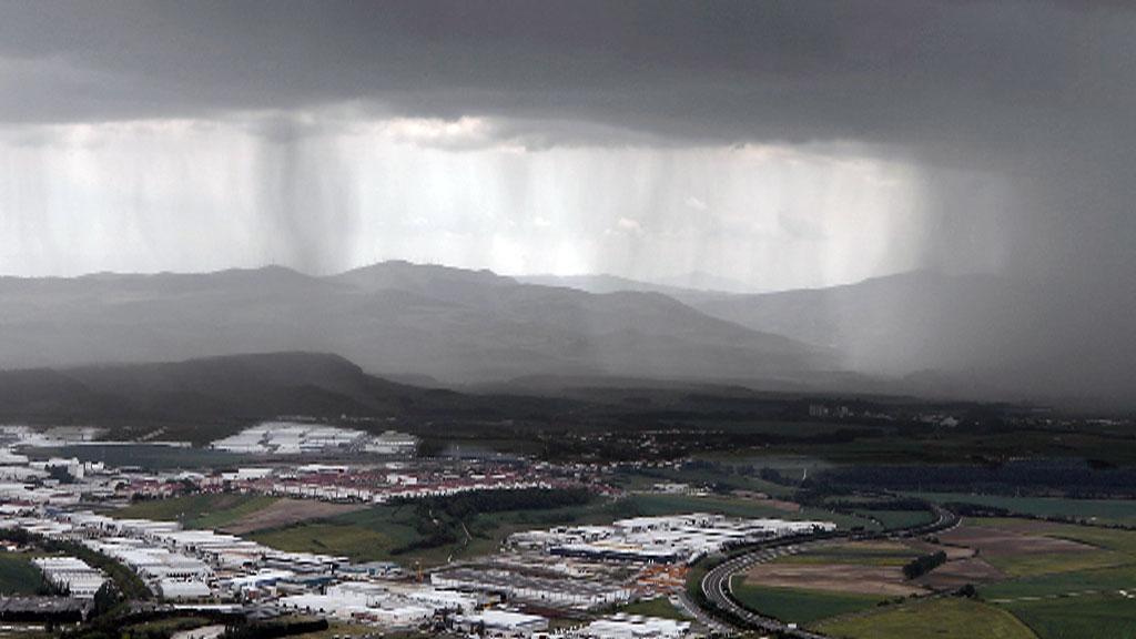 Probables chubascos o tormentas localmente fuertes, ocasionalmente con granizo, en Extremadura, oeste del sistema Central y puntos del cantábrico