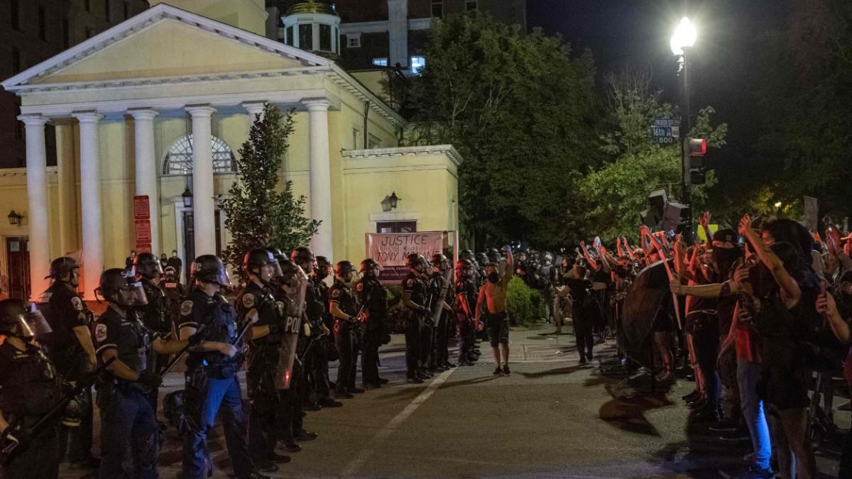 Protestas frente a la Casa Blanca por la muerte de George Floyd