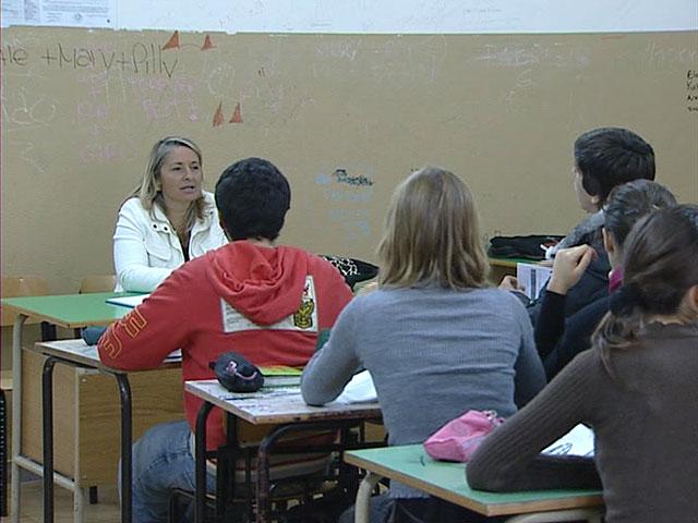 Habrá publicidad en pupitres, sillas y paredes de algunos colegios públicos de Italia