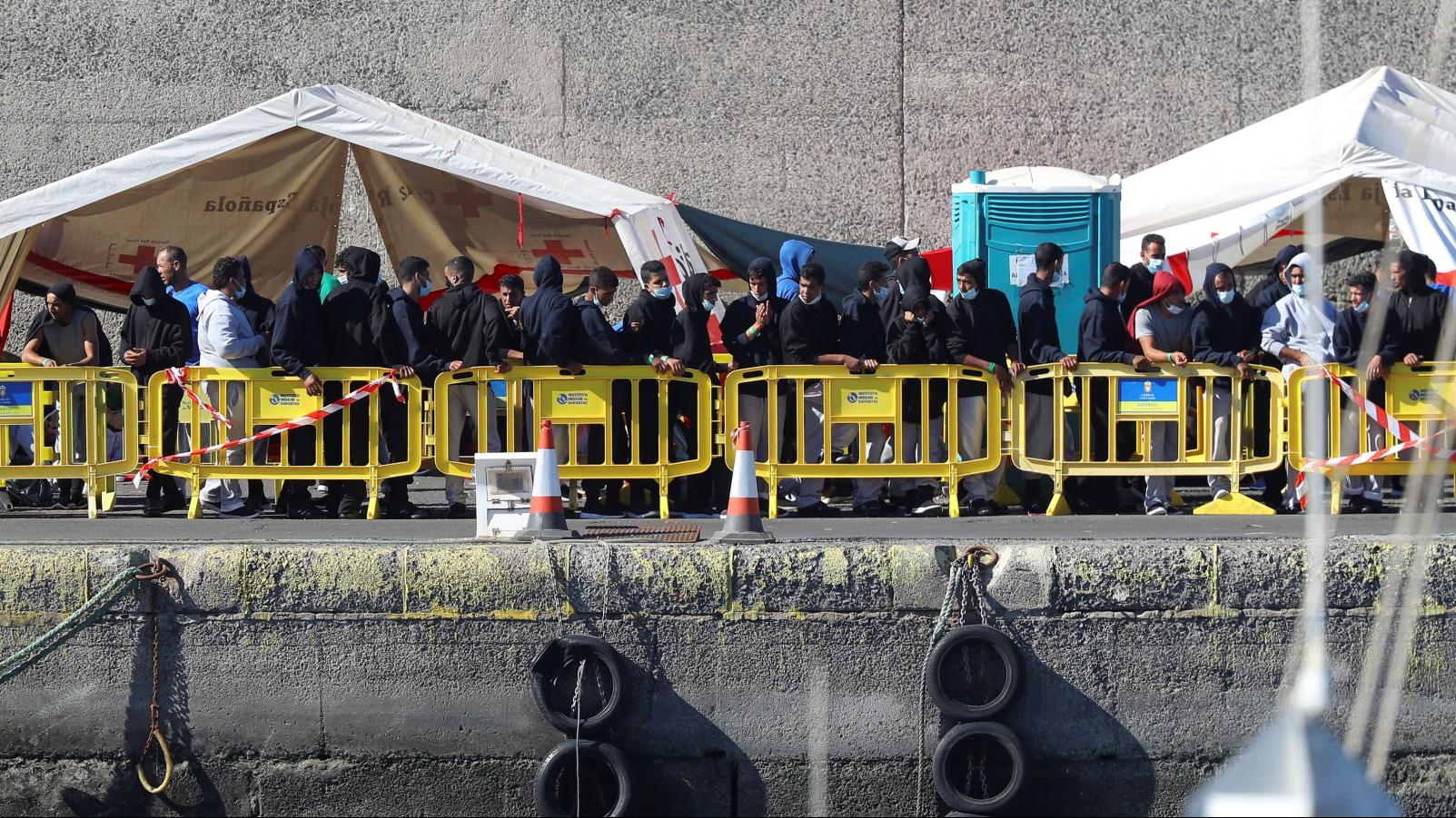 La llegada de migrantes a Canarias por mar crece un 1.019%