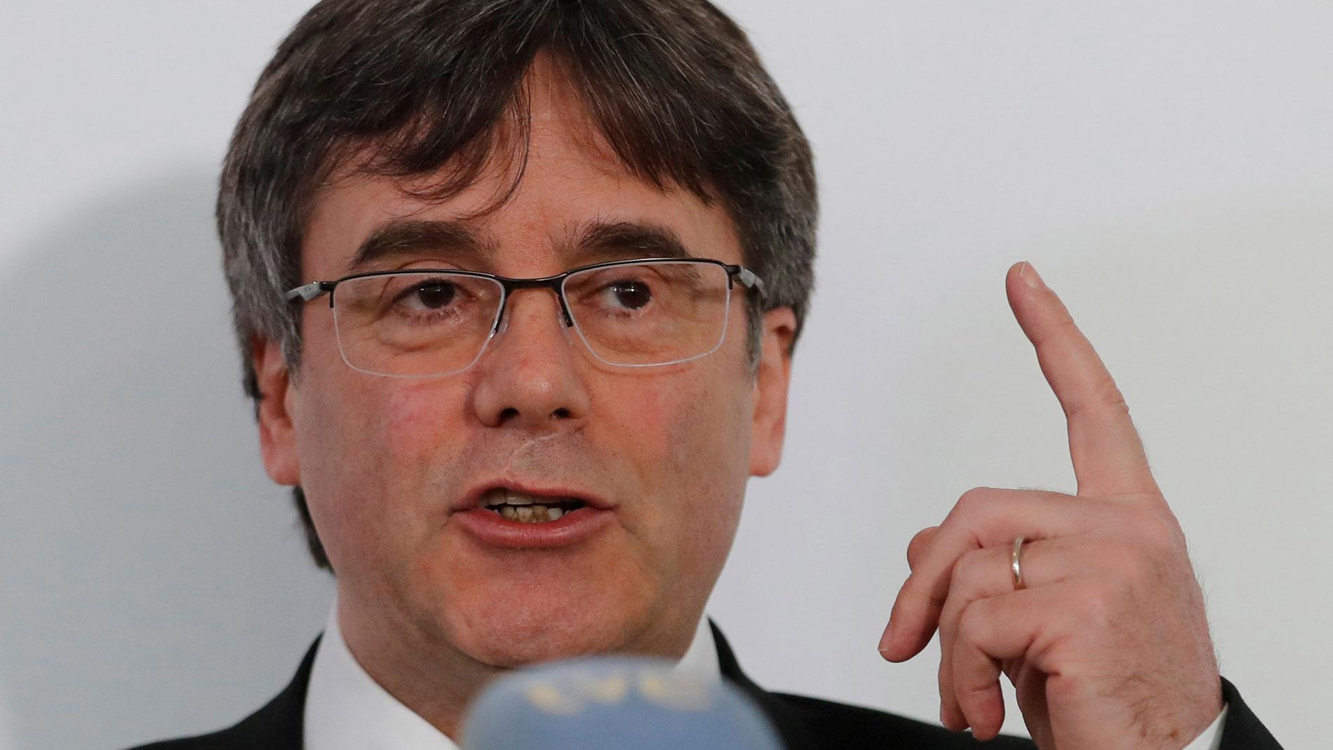 Puigdemont demanda a España ante los tribunales belgas