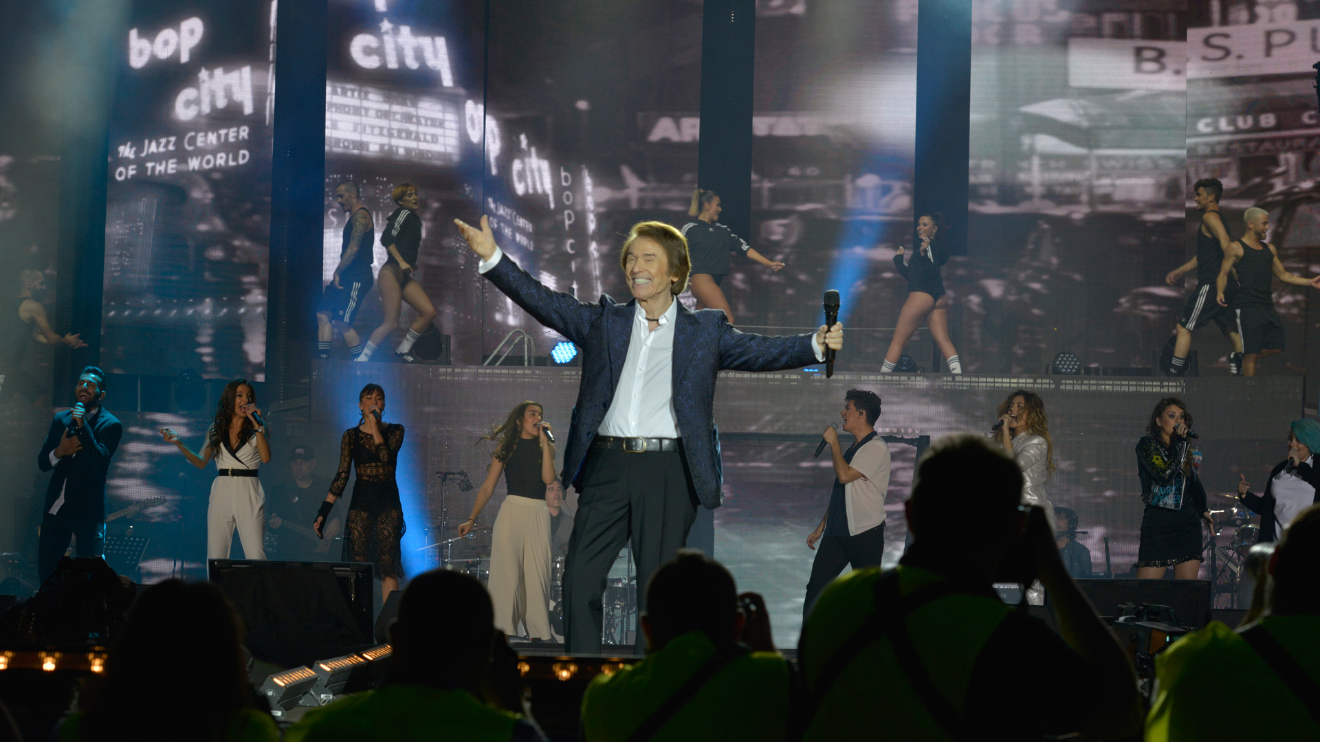 OT Bernabéu - Raphael canta con OT 2017 'Mi gran noche'