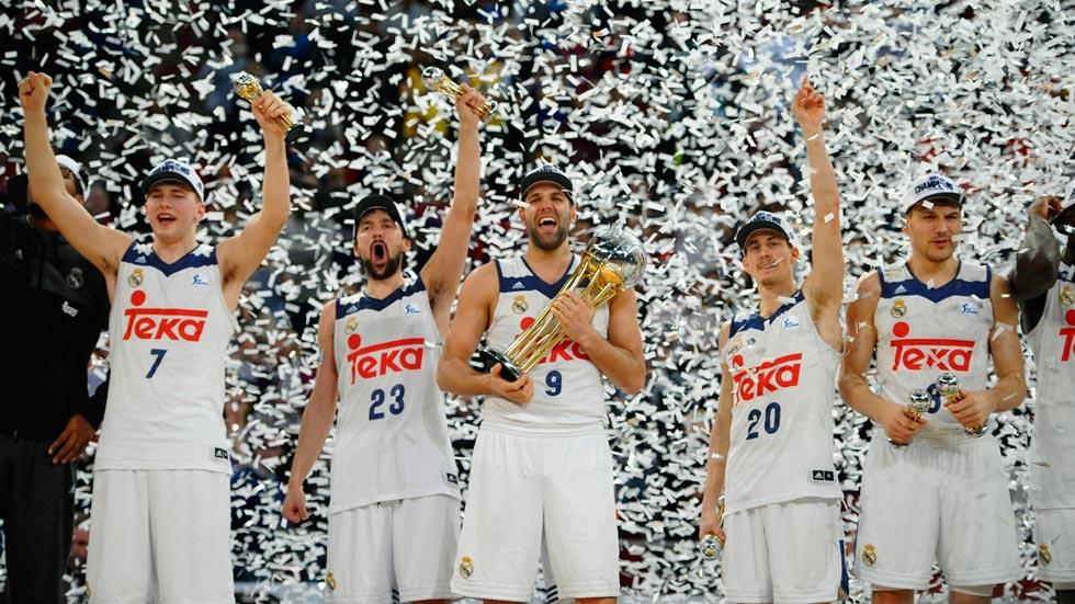El Real Madrid de baloncesto celebra su cuarta Copa consecutiva