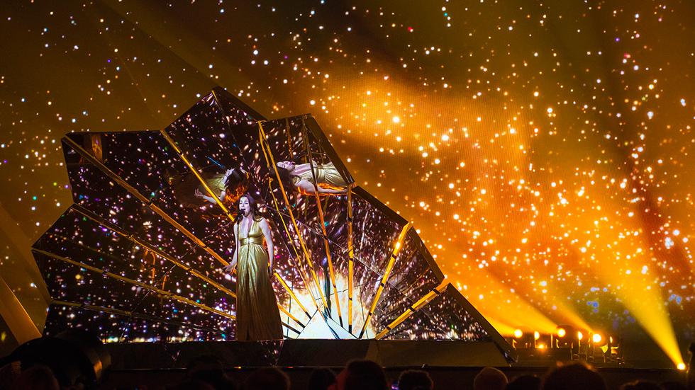 Eurovisión 2017 - Reino Unido: Lucie Jones canta 'Never give up on you'