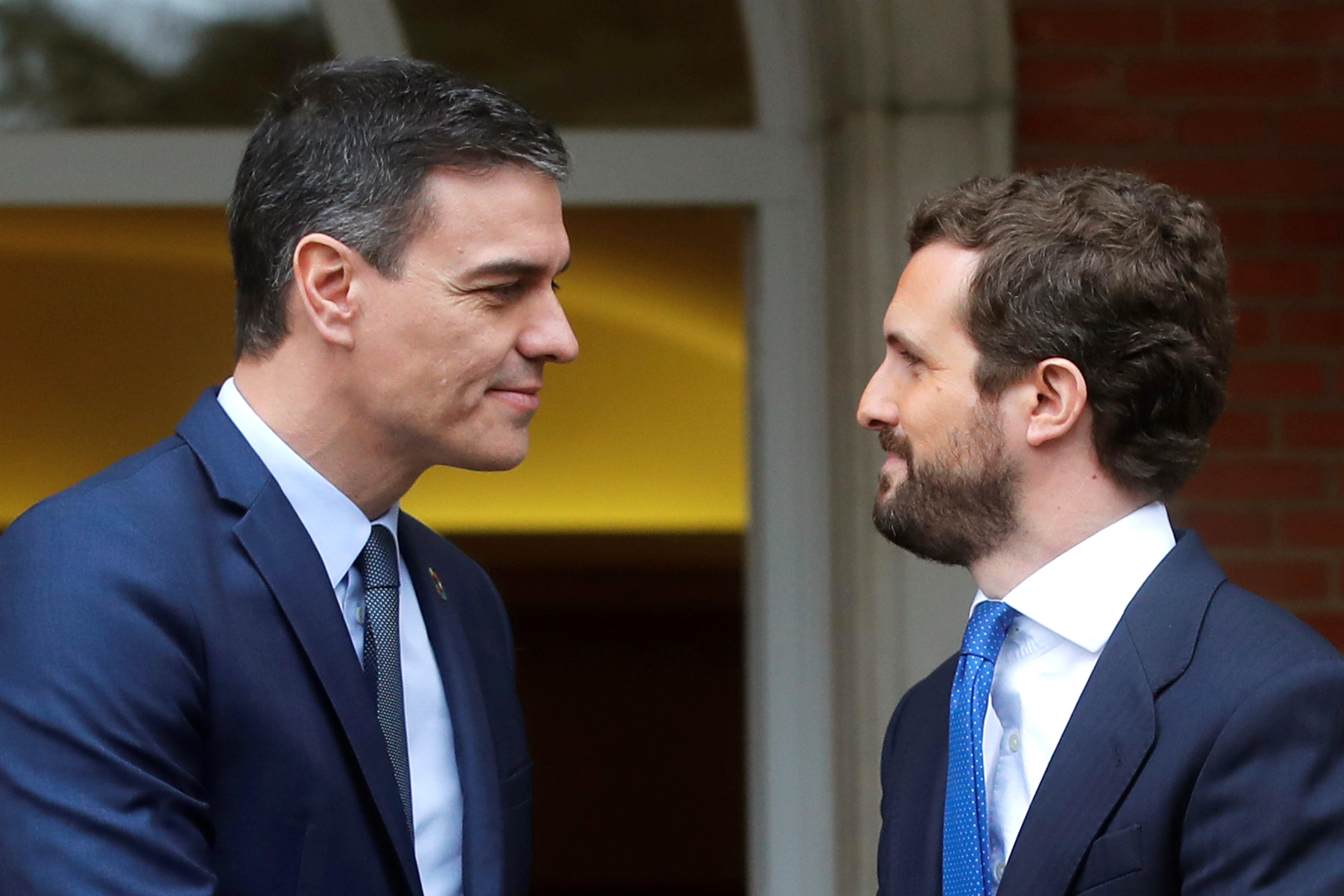 Casado se abre a facilitar los presupuestos si Sánchez rompe con los independentistas