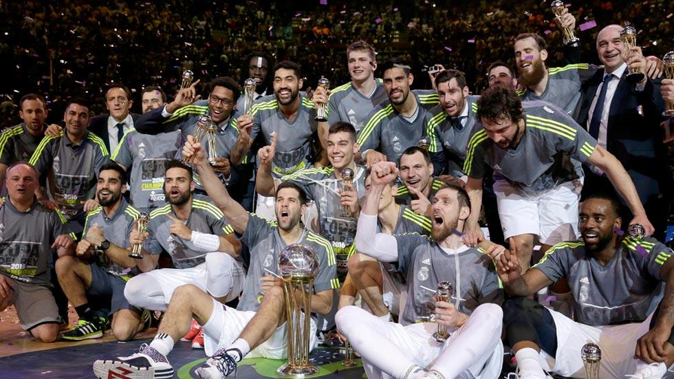 El 'rey de Copas' ofrece el trofeo a la ciudad de Madrid