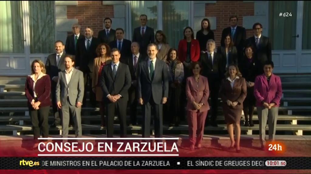 El rey preside el Consejo de Ministros en Zarzuela