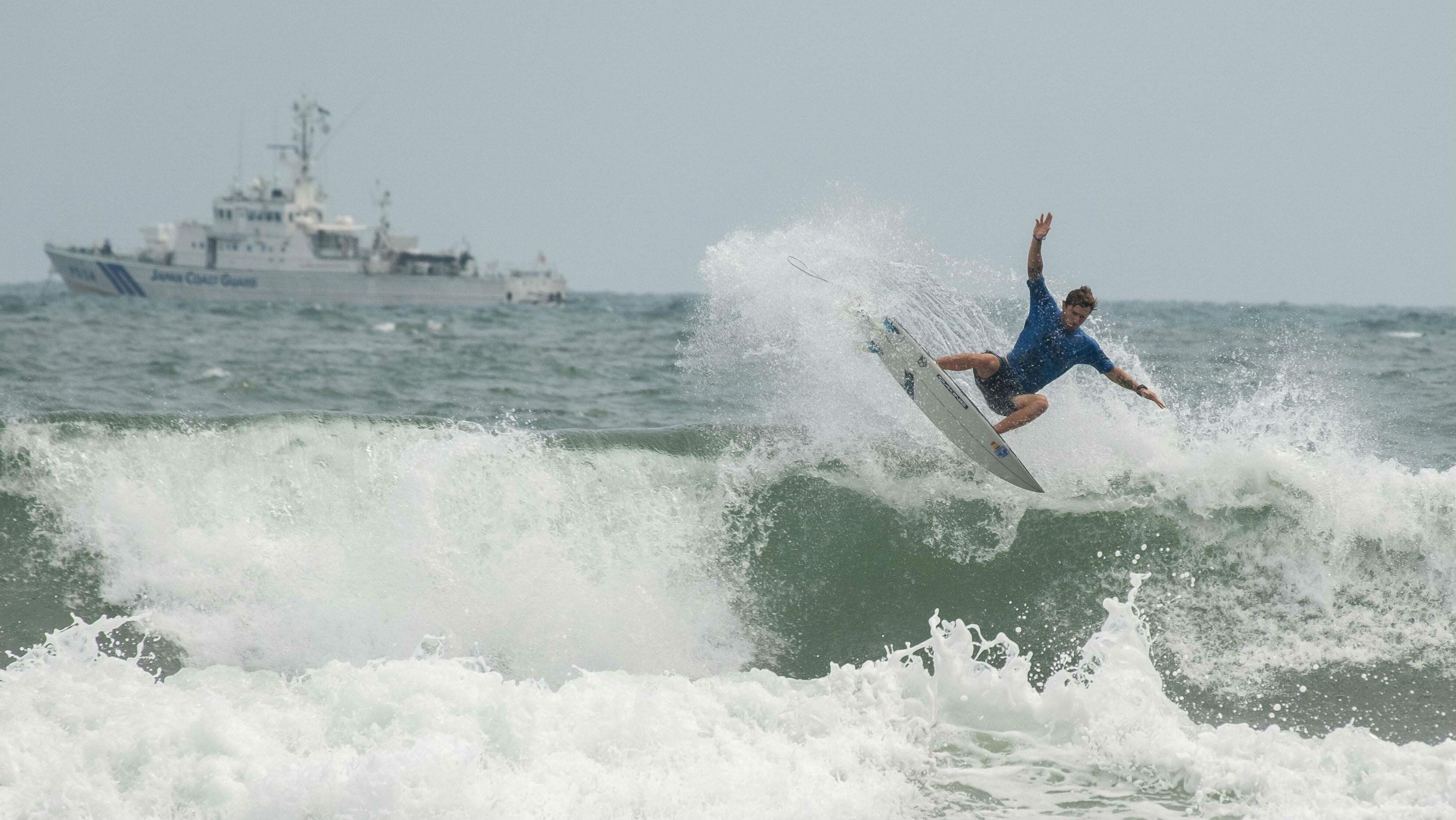 Romero emociona en el séptimo día del Mundial de Surf de Miyazaki