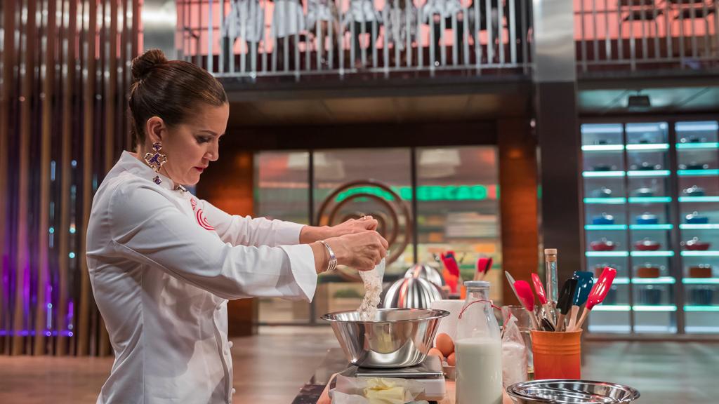 Samantha cocina por primera vez en MasterChef