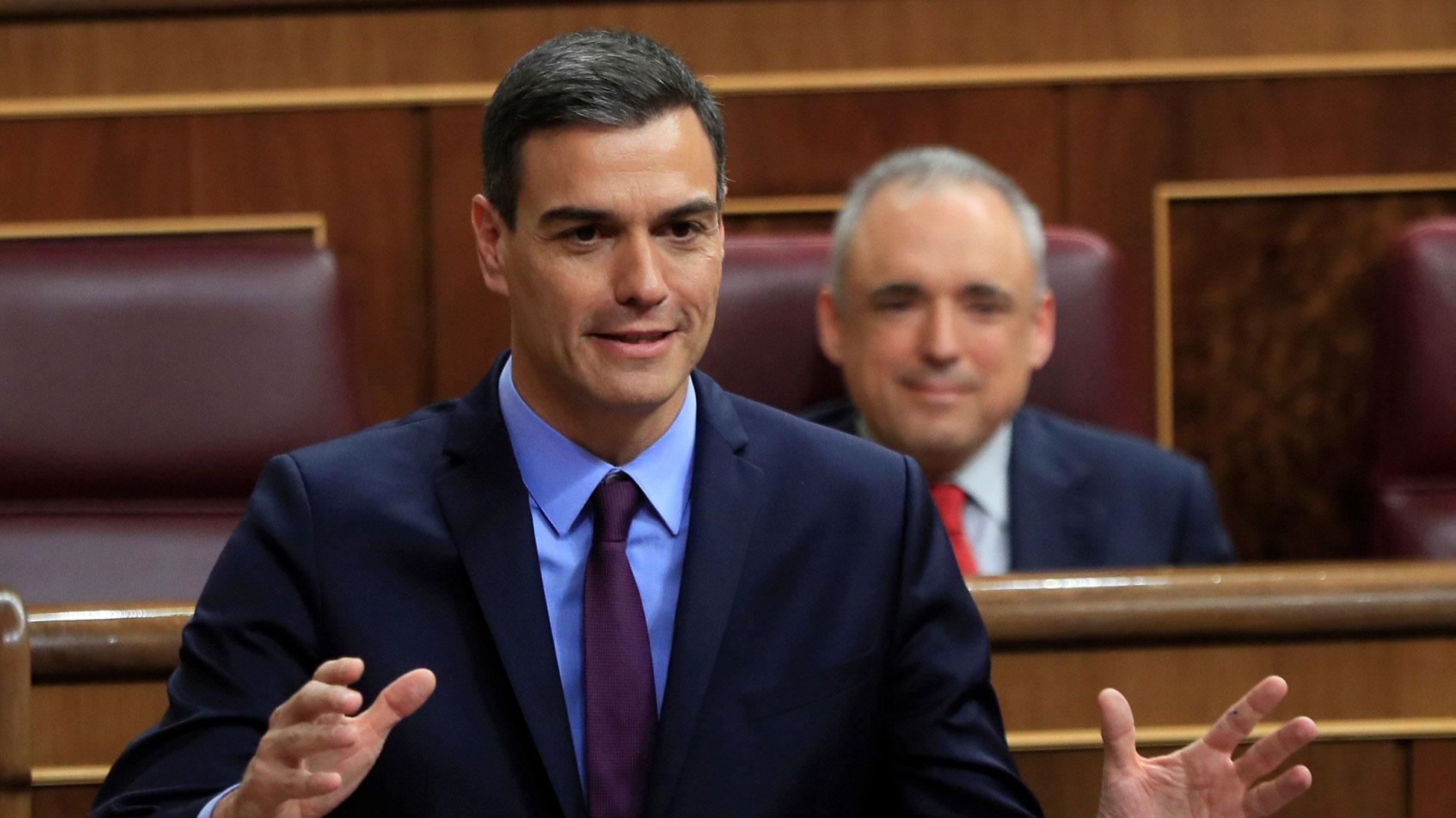 """Sánchez defiende que las garantías sobre Gibraltar """"no decaerán"""" ratifique o no el Reino Unido el acuerdo sobre el 'Brexit'"""