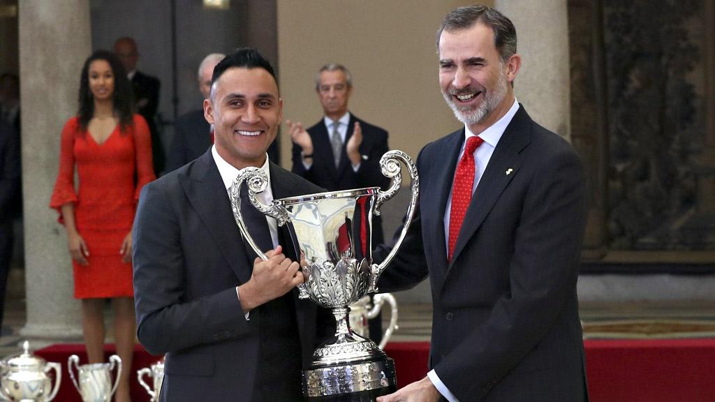 Sergio Ramos y Keylor Navas recogen sus premios individuales