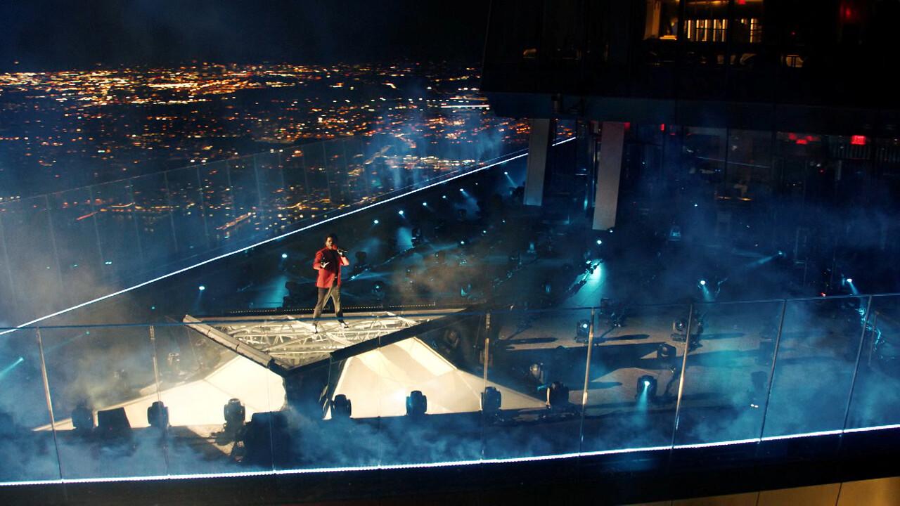 The Weeknd durante su actuación en la gala de los MTV.
