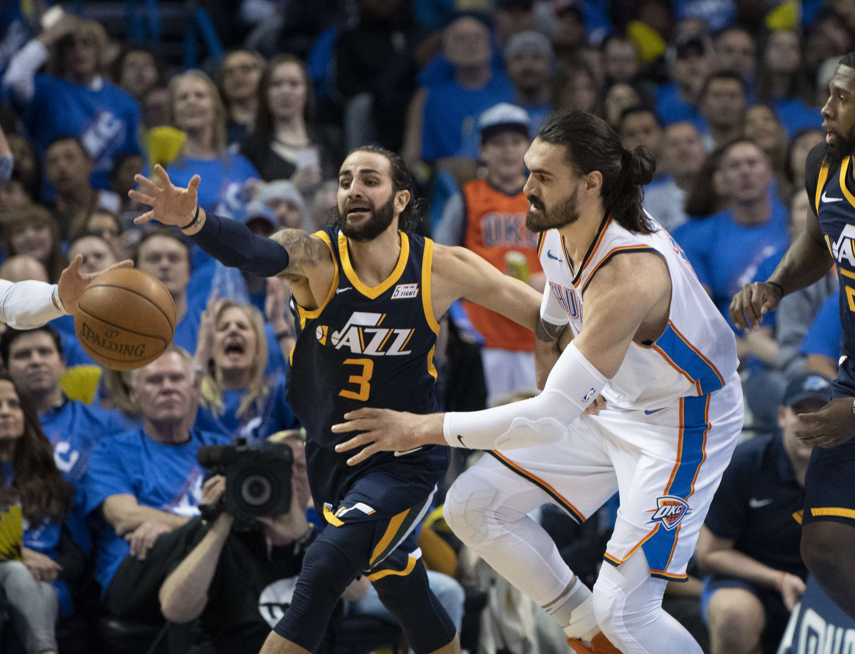 Thunder toma ventaja tras vencer a Jazz y Harden lidera a los Rockets