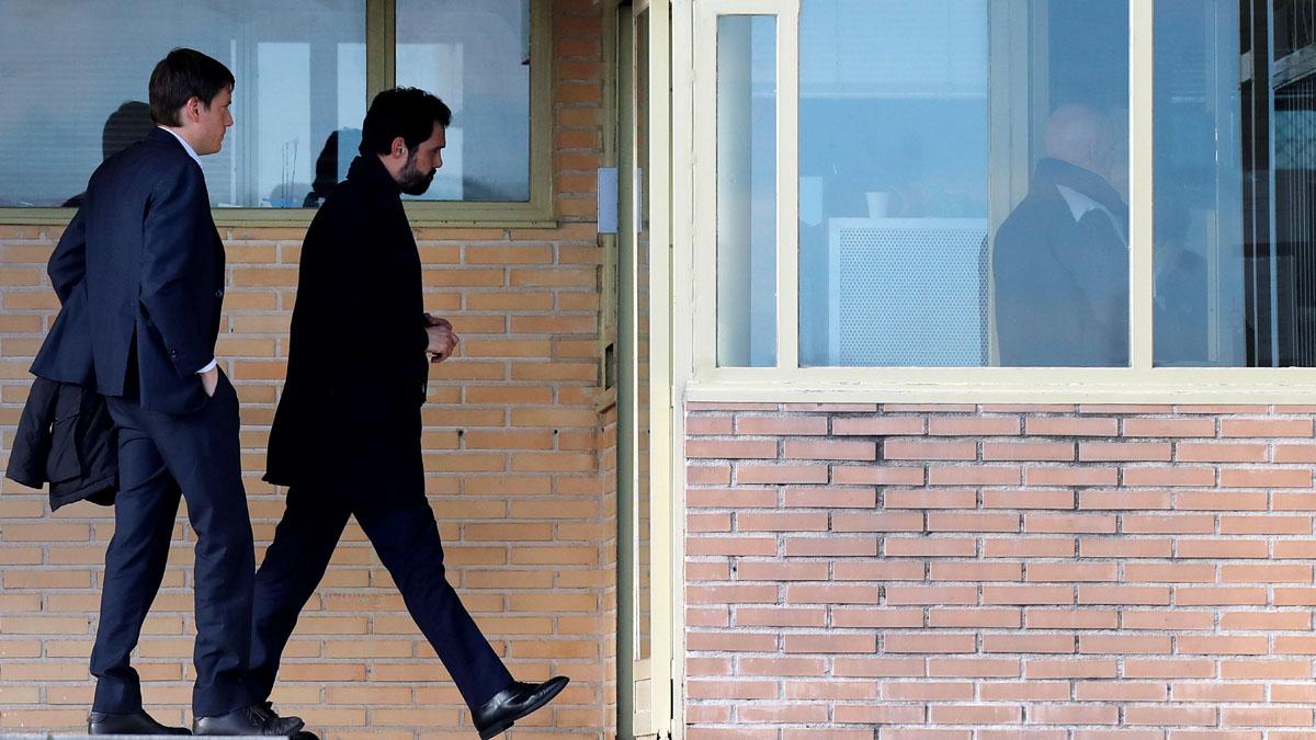 Torrent denuncia la 'persecución ideológica absurda' a la que están sometidos los presos del 'procés'
