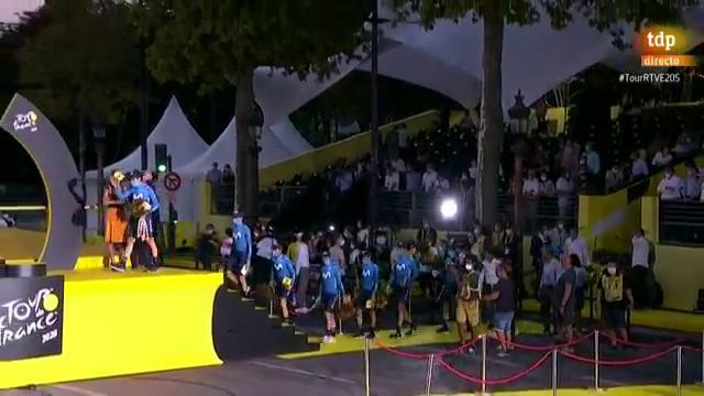 Tour 2020 | Movistar se lleva la clasificación por equipos del Tour